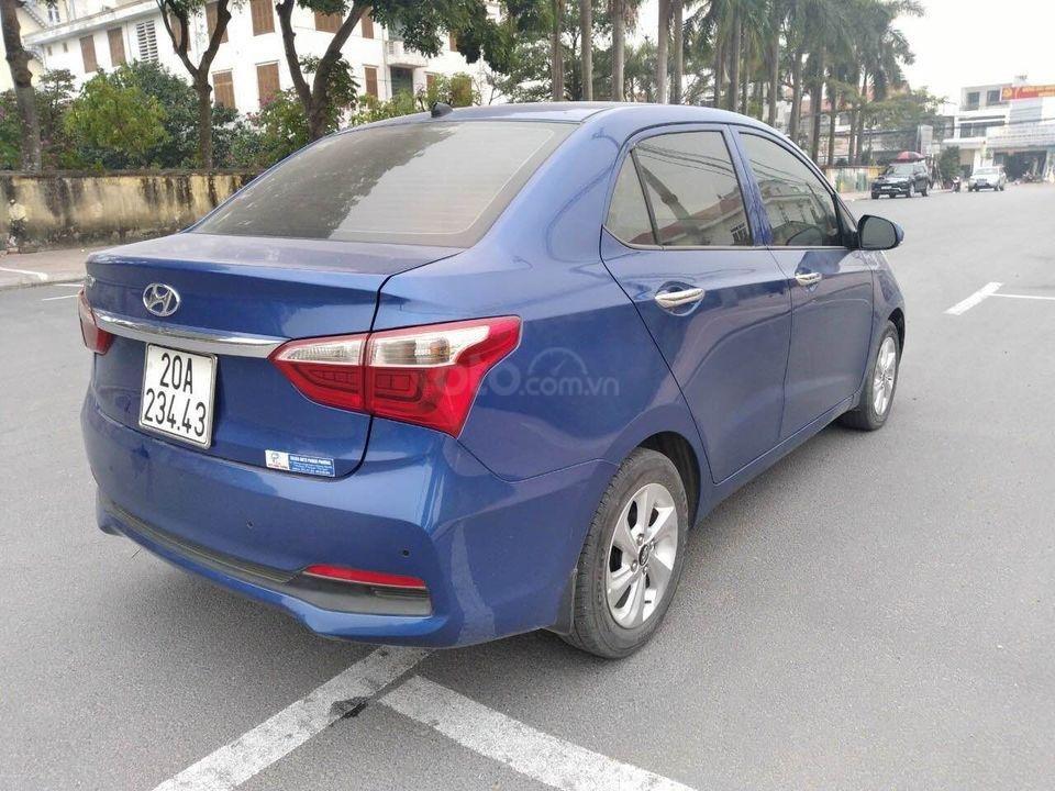 Cần bán gấp Hyundai Grand i10 1.2 đời 2017, màu xanh, xe gia đình (2)