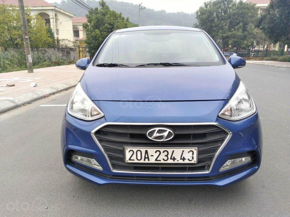 Cần bán gấp Hyundai Grand i10 1.2 đời 2017, màu xanh, xe gia đình (1)