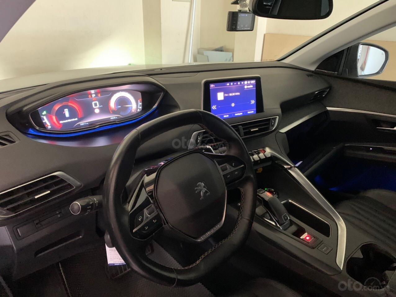 Bán xe Peugeot 5008 màu trắng sx 2018 (4)