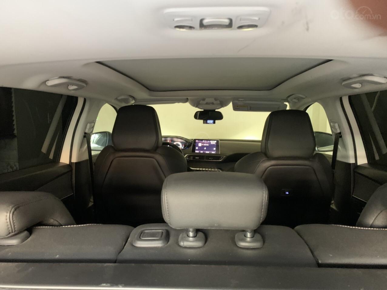 Bán xe Peugeot 5008 màu trắng sx 2018 (6)