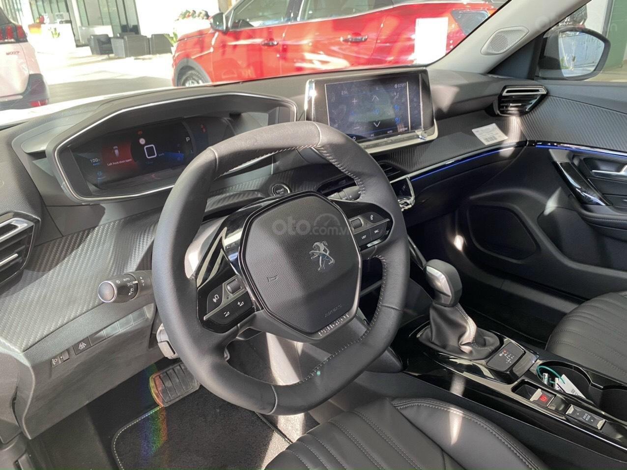 Chương trình khuyến mãi siêu hot cùng ô tô Peugeot 2008 sản xuất 2020 (3)