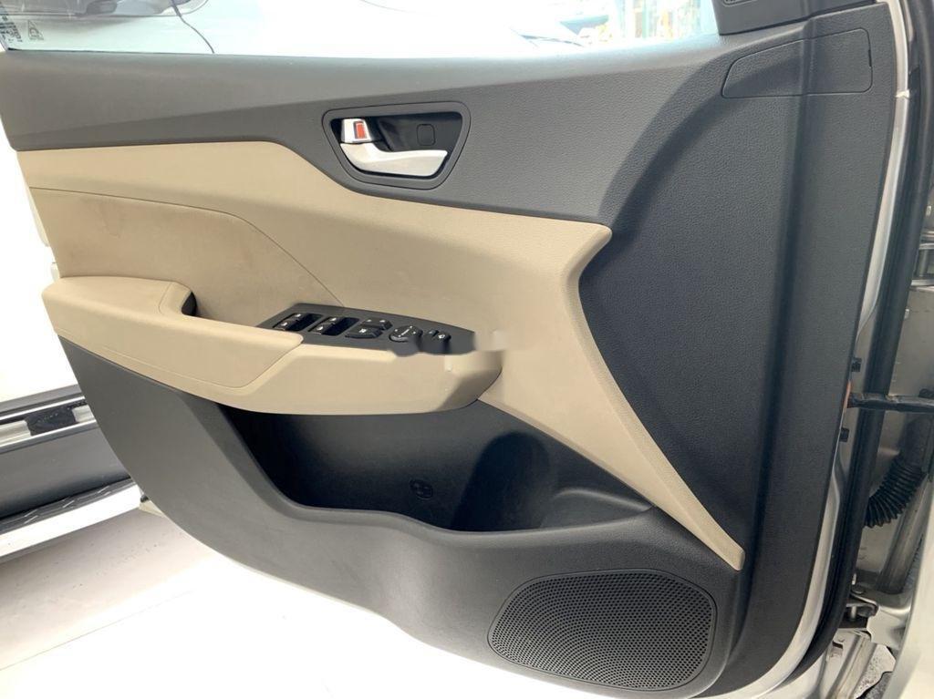 Cần bán Hyundai Accent năm sản xuất 2018 còn mới (7)