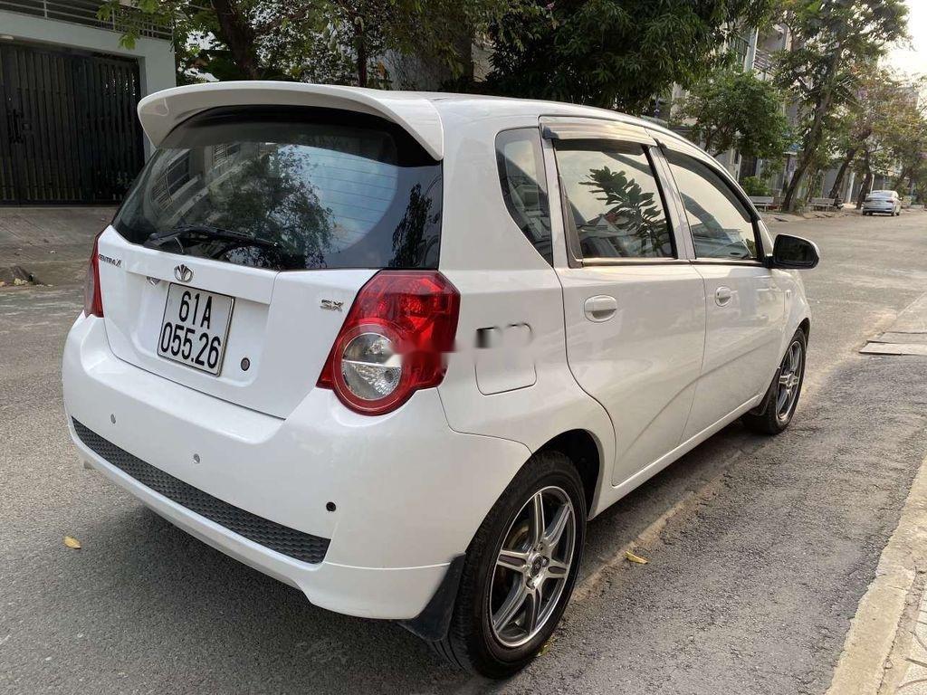 Bán Daewoo GentraX năm 2009, màu trắng, nhập khẩu còn mới (3)