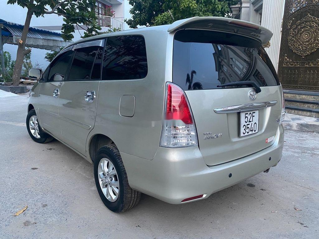 Cần bán Toyota Innova 2008, màu bạc chính chủ, 295tr (3)