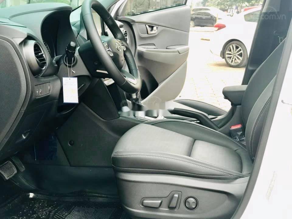 Bán ô tô Hyundai Kona đời 2021, màu bạc (9)