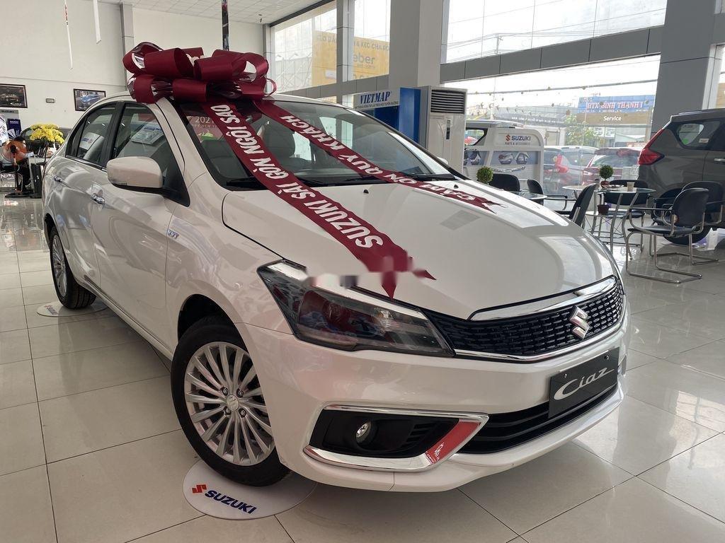 Bán xe Suzuki Ciaz 2020, màu trắng, nhập khẩu (1)