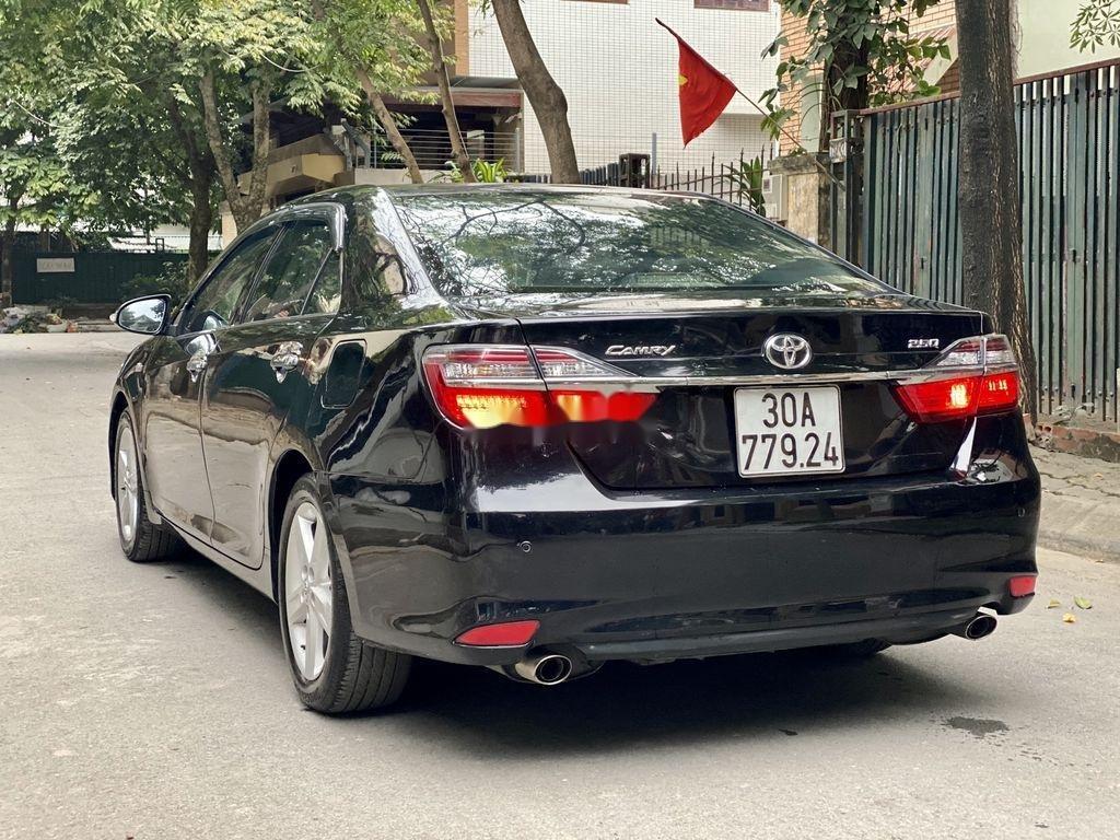 Cần bán Toyota Camry sản xuất 2015 còn mới, 815 triệu (5)