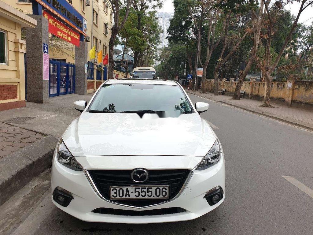 Bán Mazda 3 sản xuất năm 2015, màu trắng, số tự động (1)