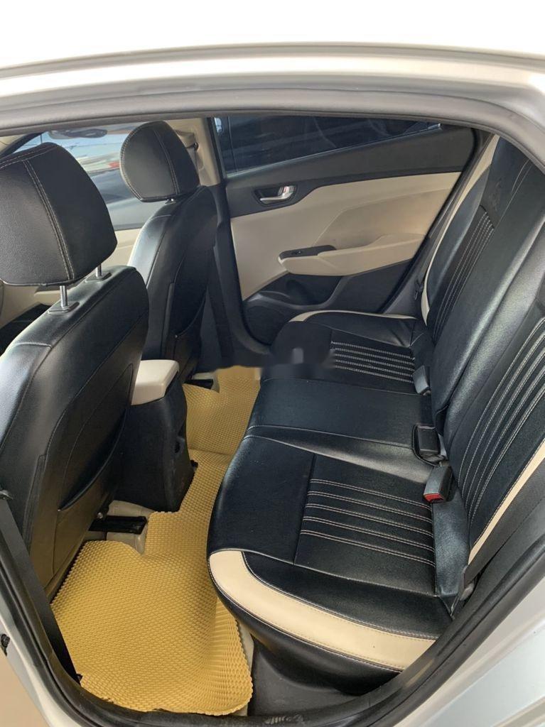Cần bán Hyundai Accent năm sản xuất 2018 còn mới (5)