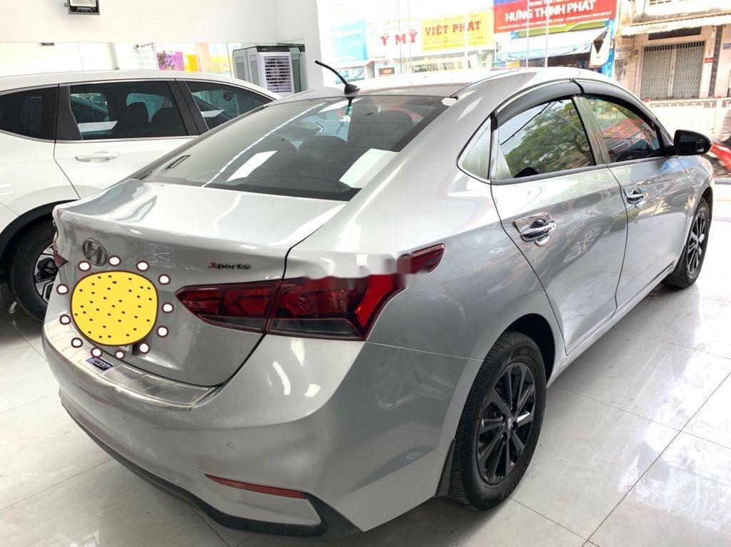 Cần bán Hyundai Accent năm sản xuất 2018 còn mới (8)