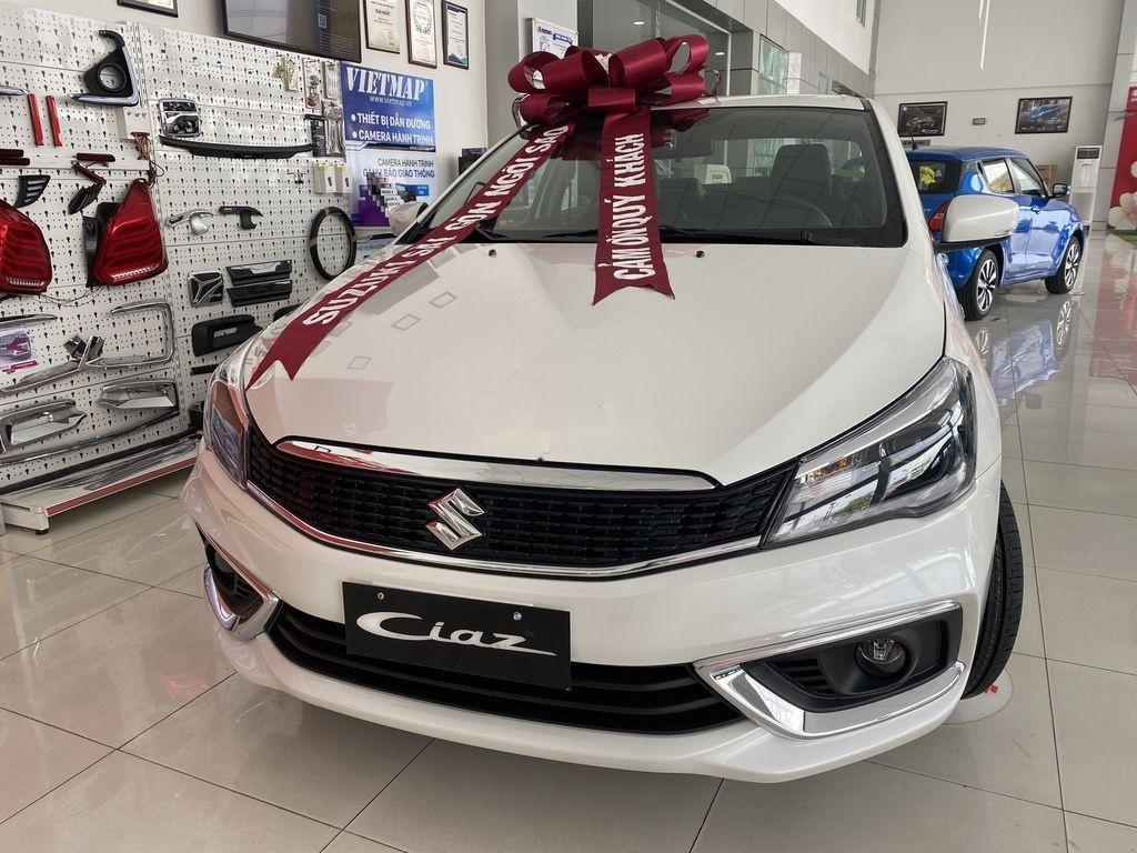 Bán xe Suzuki Ciaz 2020, màu trắng, nhập khẩu (2)