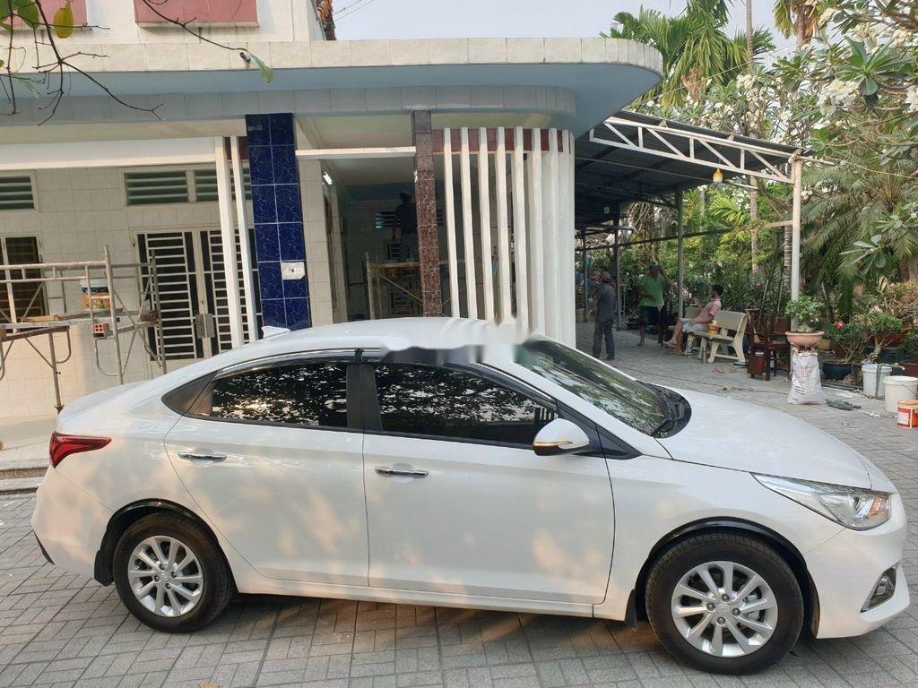 Bán xe Hyundai Accent 1.4AT năm sản xuất 2019, màu trắng, giá tốt (3)