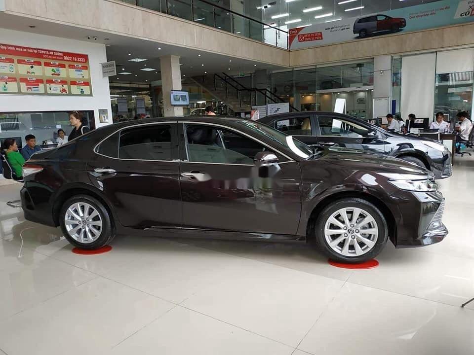 Cần bán xe Toyota Camry năm 2020, màu nâu, xe nhập (3)