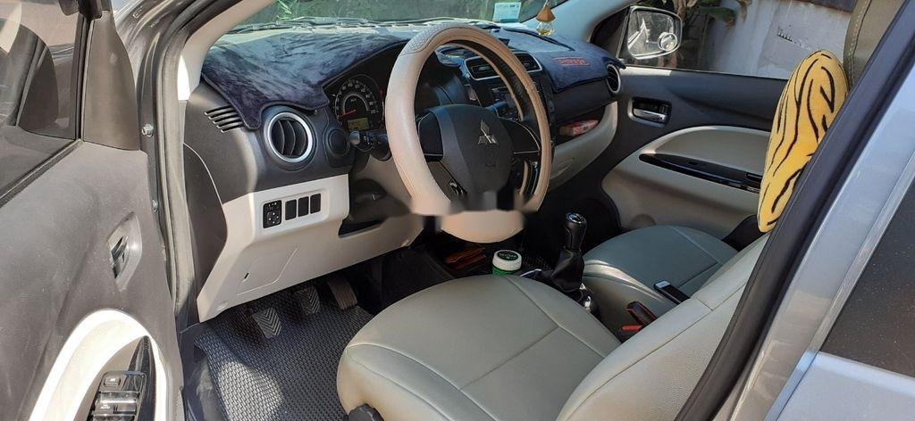 Xe Mitsubishi Attrage đời 2016, màu xám, xe nhập (3)