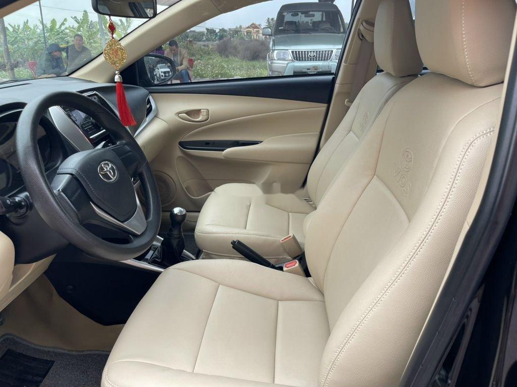 Bán Toyota Vios đời 2019, màu đen số sàn, giá tốt (9)