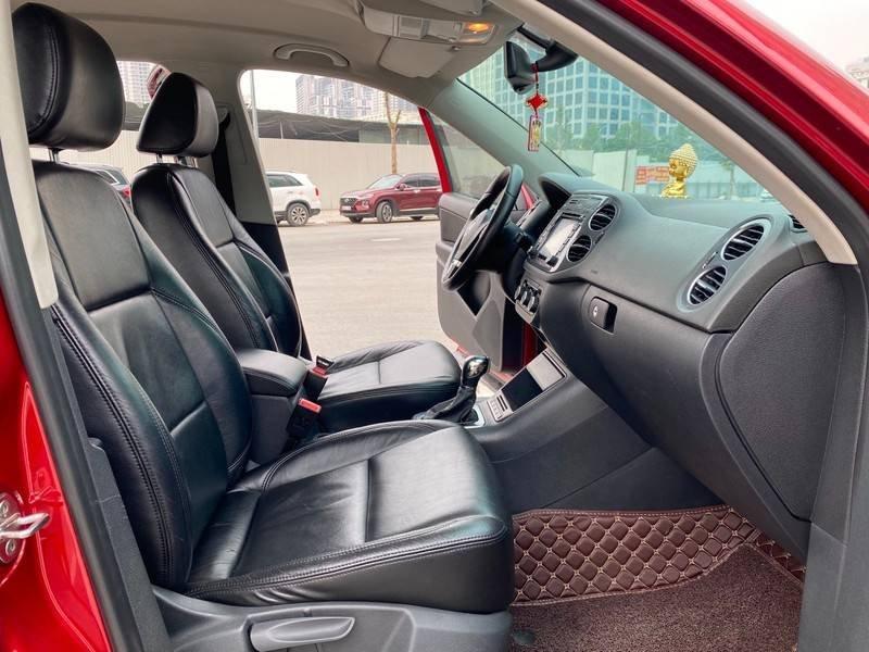 Bán xe Volkswagen Tiguan đời 2011, màu đỏ, nhập khẩu (11)