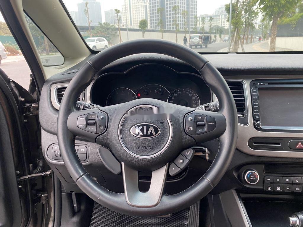 Cần bán lại xe Kia Rondo đời 2015, màu nâu, 485 triệu (11)