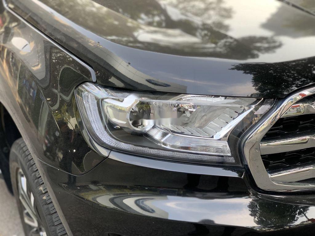 Cần bán gấp Ford Everest năm 2019, màu đen, nhập khẩu nguyên chiếc (4)