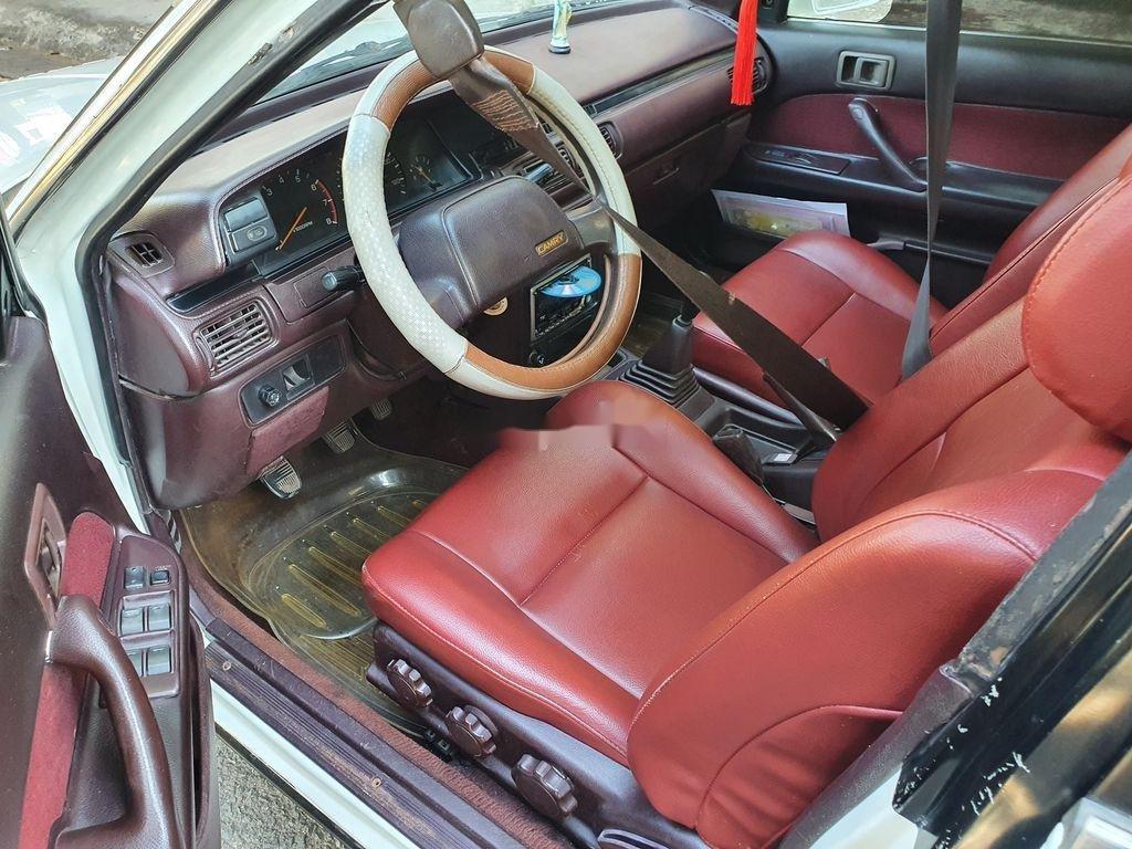 Cần bán lại xe Toyota Camry sản xuất 1989 còn mới (10)