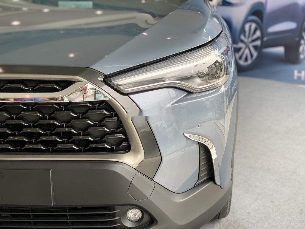 Cần bán Toyota Corolla Cross đời 2021, màu xám, xe nhập, giá tốt (2)