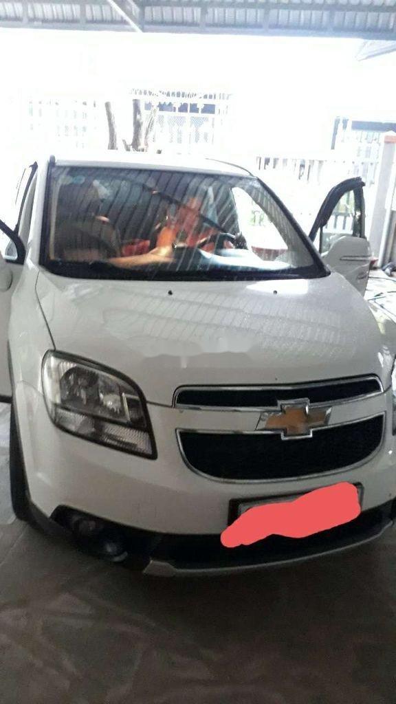 Cần bán Chevrolet Orlando đời 2017, màu trắng chính chủ, giá 370tr (2)