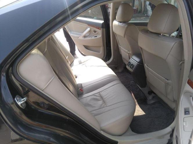 Cần bán lại xe Toyota Camry 2.4G năm sản xuất 2011, màu đen (9)