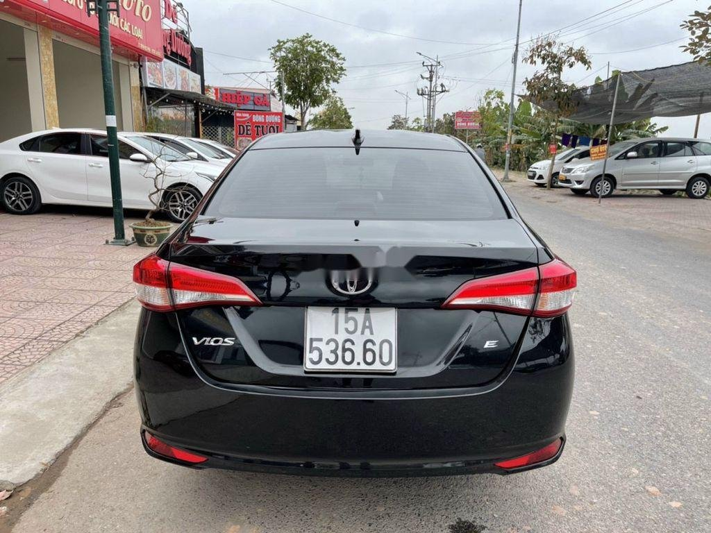 Bán Toyota Vios đời 2019, màu đen số sàn, giá tốt (3)