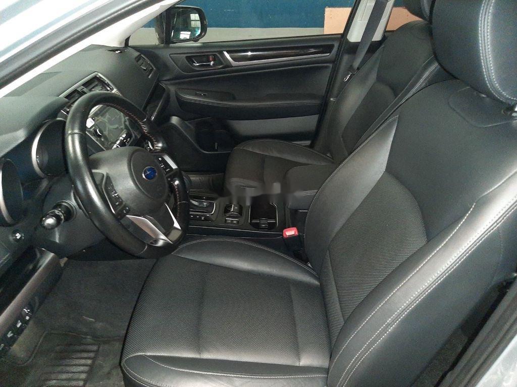 Bán Subaru Outback sản xuất 2019, màu bạc, nhập khẩu (6)
