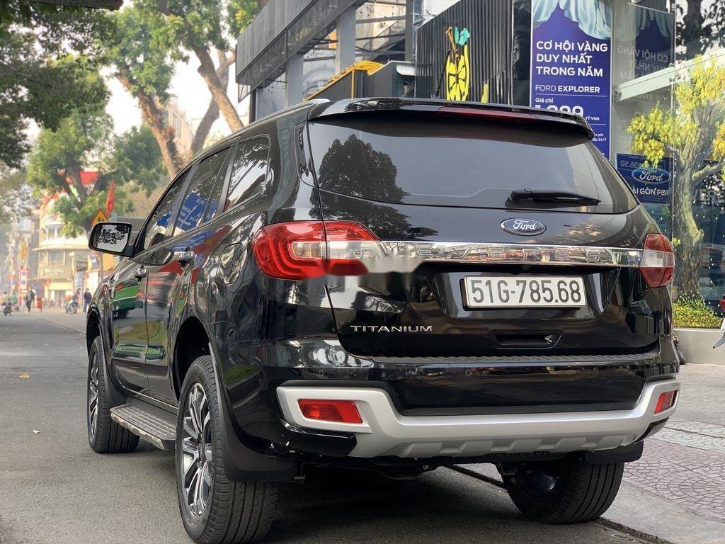 Cần bán gấp Ford Everest năm 2019, màu đen, nhập khẩu nguyên chiếc (7)