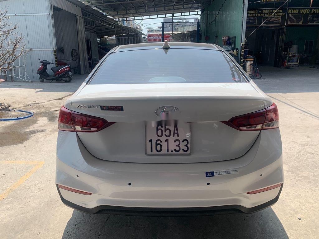 Xe Hyundai Accent 2018, màu trắng (6)