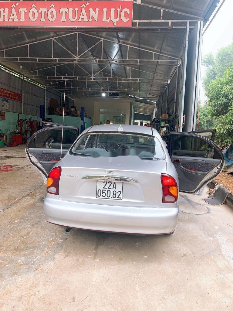 Bán Daewoo Lanos sản xuất 2003, màu bạc còn mới (5)
