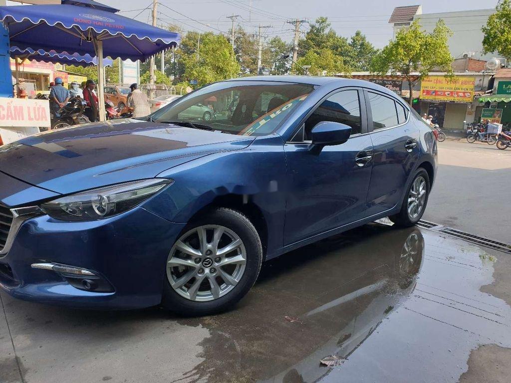 Xe Mazda 3 năm sản xuất 2018, màu xanh lam ít sử dụng (1)