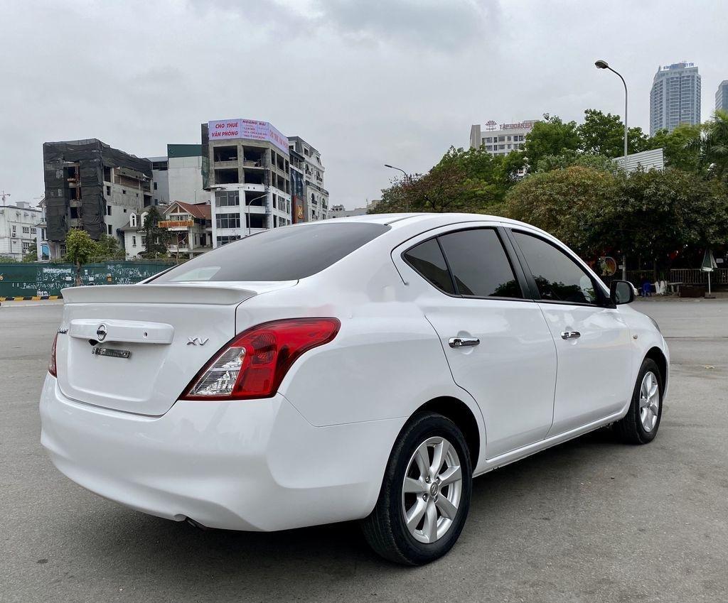 Bán xe Nissan Sunny đời 2017, màu trắng chính chủ, giá tốt (3)