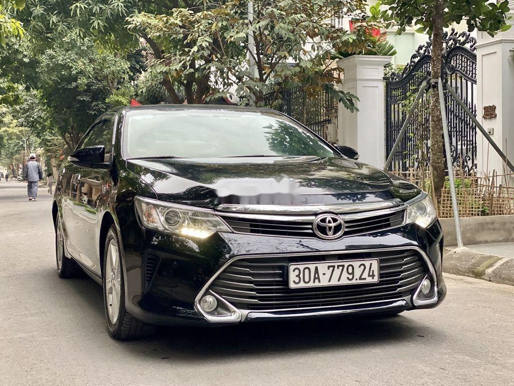 Cần bán Toyota Camry sản xuất 2015 còn mới, 815 triệu (2)