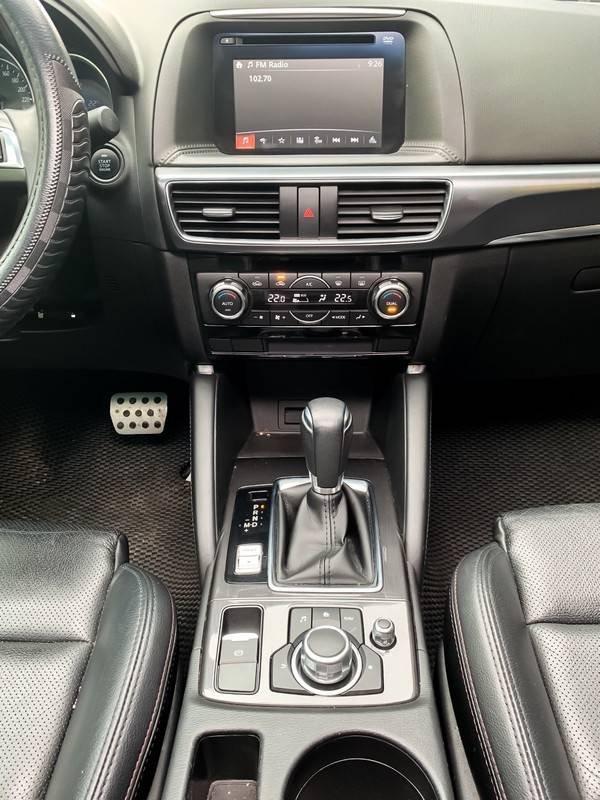 Cần bán Mazda 5 sản xuất năm 2017, màu đen chính chủ, giá tốt (6)