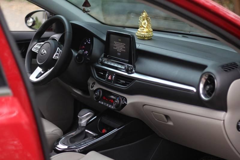 Cần bán Kia Cerato năm 2020, màu đỏ, nhập khẩu  (11)