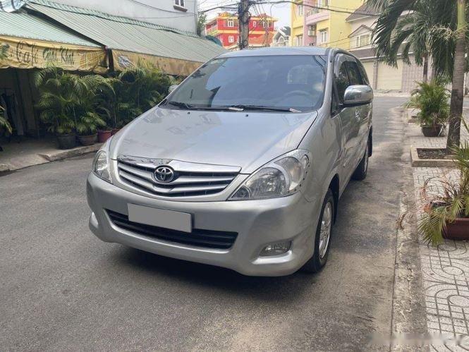 Cần bán gấp Toyota Innova G sản xuất 2012, màu bạc chính chủ, 343tr (2)
