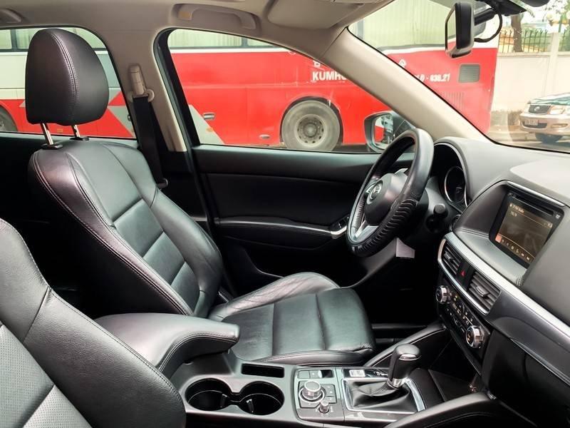 Cần bán Mazda 5 sản xuất năm 2017, màu đen chính chủ, giá tốt (7)