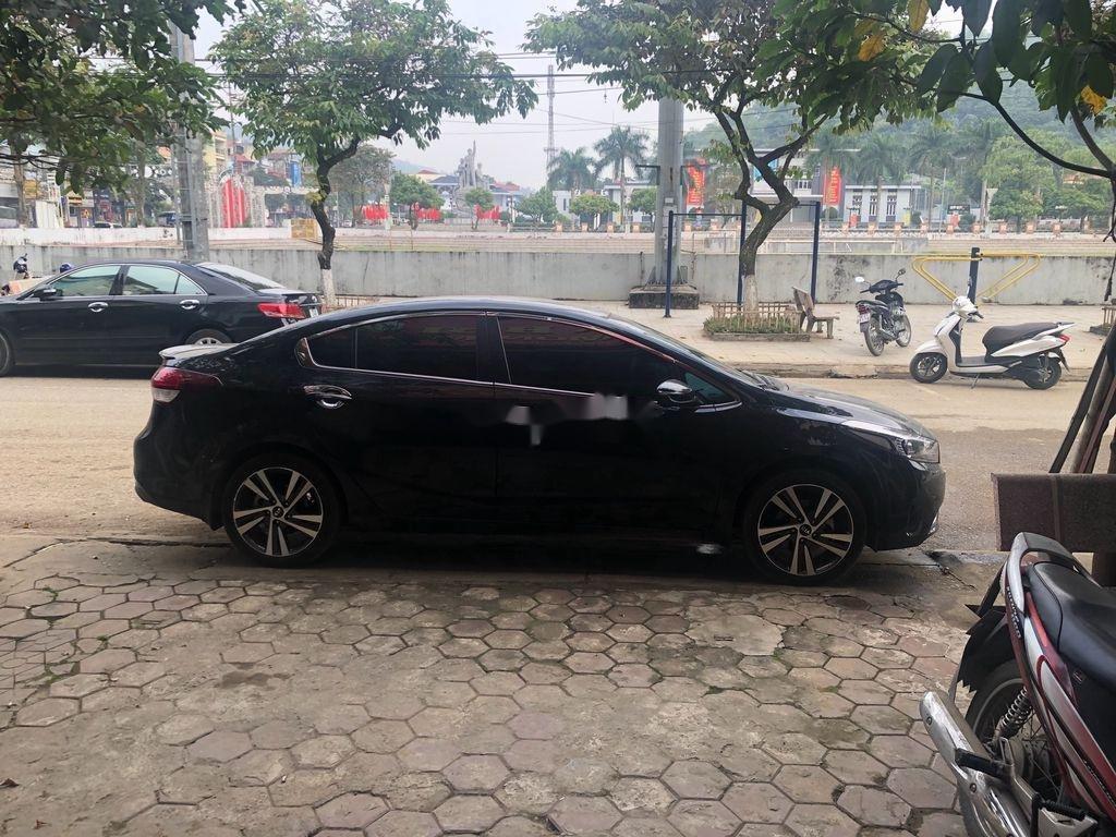 Bán Kia Cerato đời 2018, màu đen, giá cạnh tranh (1)