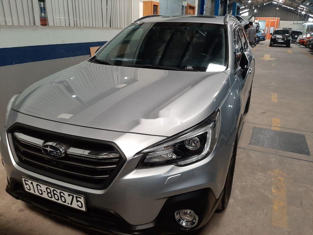Bán Subaru Outback sản xuất 2019, màu bạc, nhập khẩu (9)