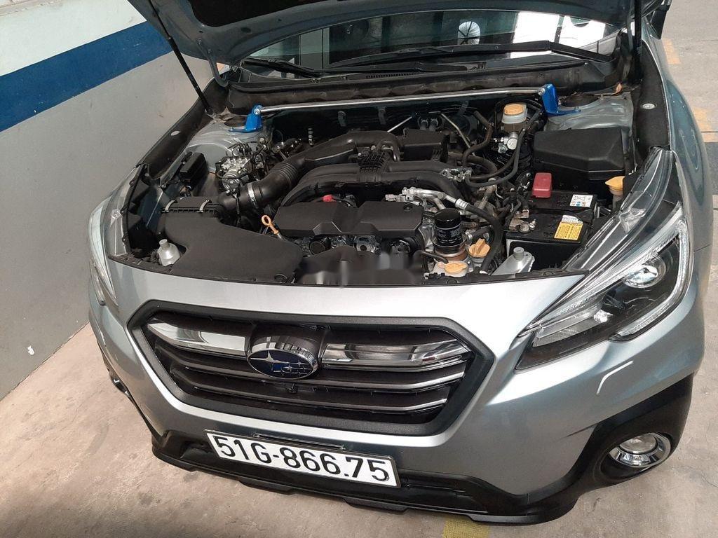 Bán Subaru Outback sản xuất 2019, màu bạc, nhập khẩu (2)