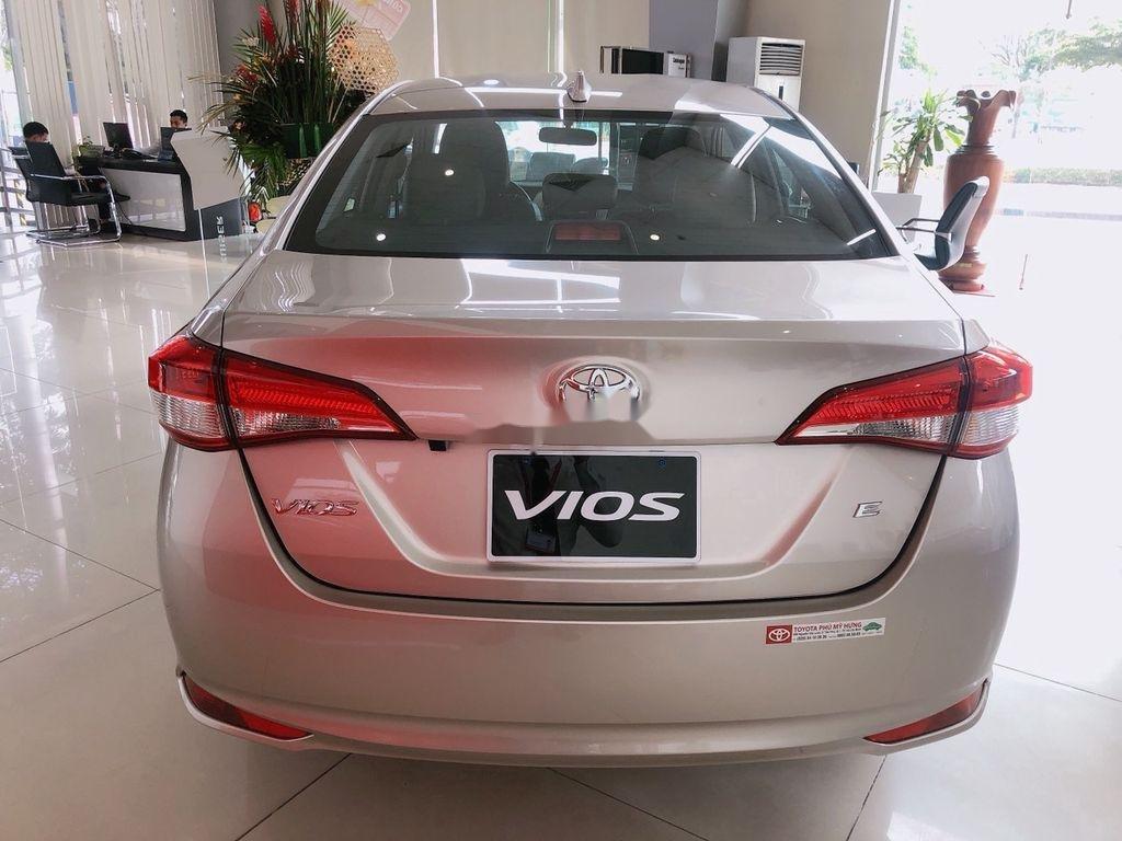 Bán xe Toyota Vios năm sản xuất 2021, màu bạc (3)