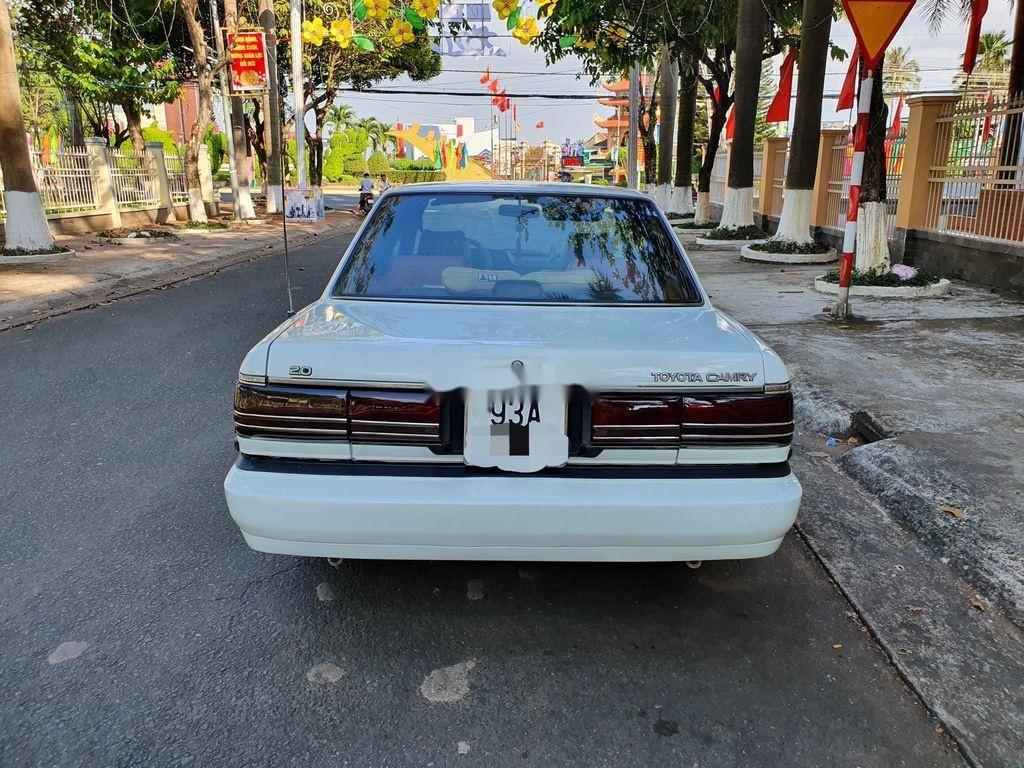 Cần bán lại xe Toyota Camry sản xuất 1989 còn mới (6)