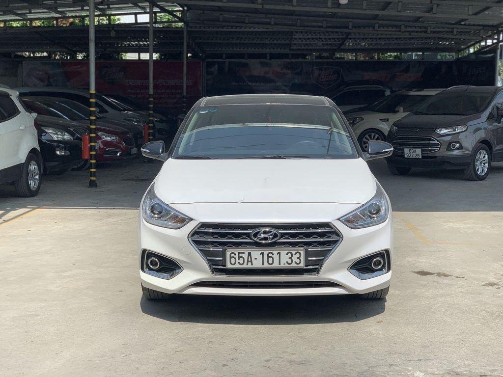 Xe Hyundai Accent 2018, màu trắng (3)