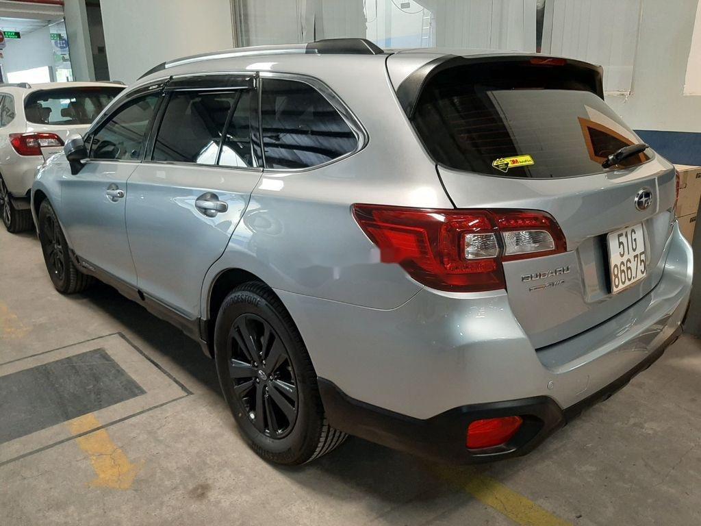 Bán Subaru Outback sản xuất 2019, màu bạc, nhập khẩu (1)