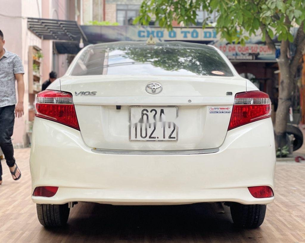 Cần bán xe Toyota Vios đời 2018, màu trắng chính chủ (6)