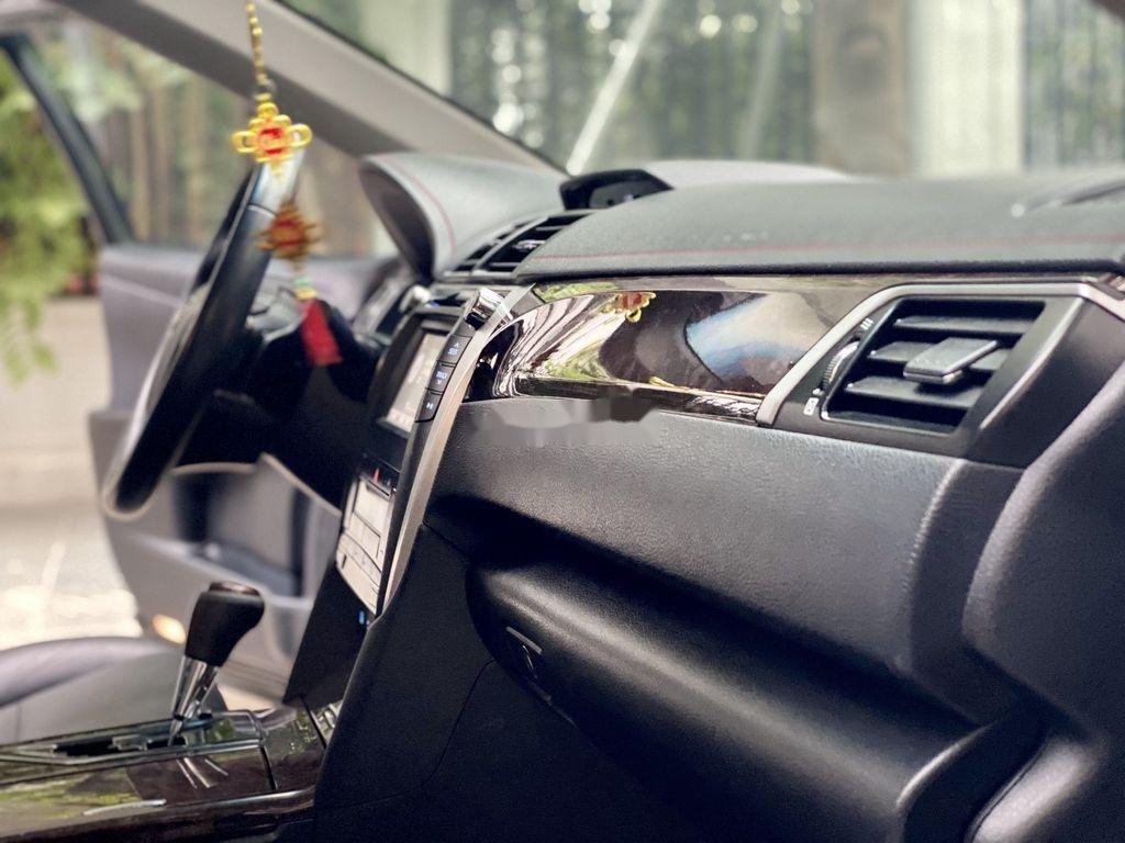 Cần bán Toyota Camry sản xuất 2015 còn mới, 815 triệu (9)
