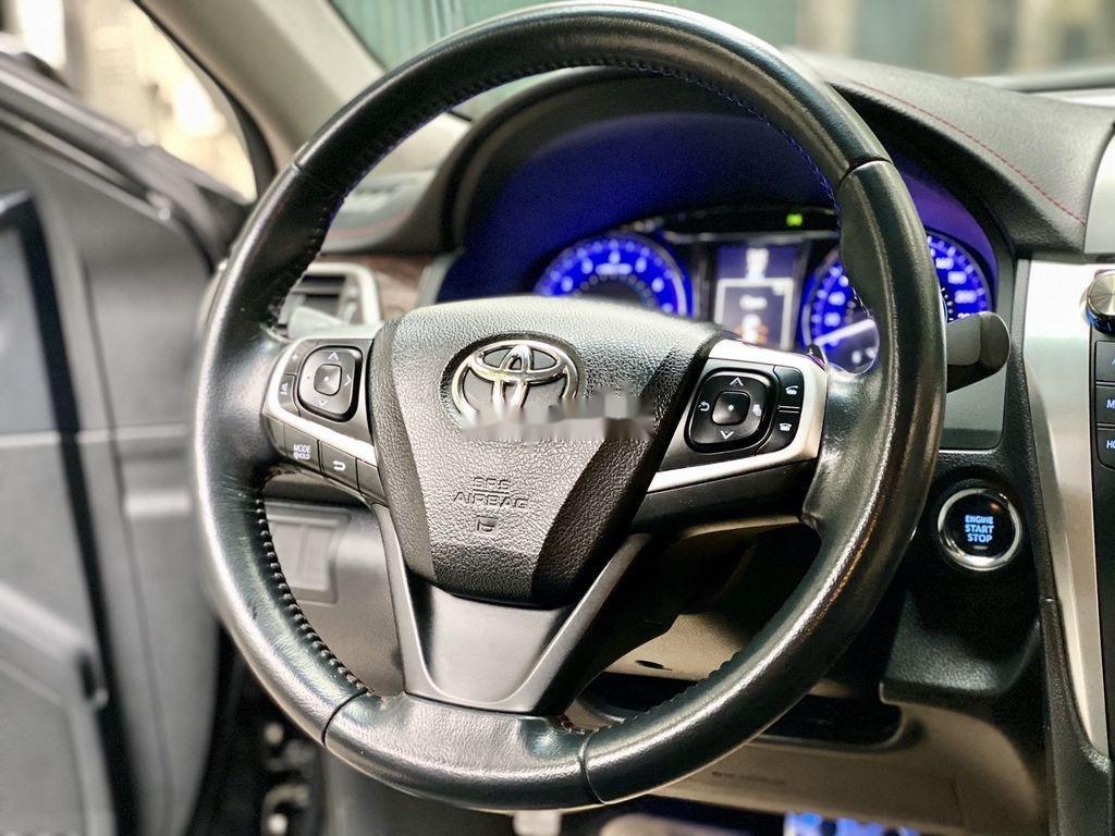 Cần bán Toyota Camry sản xuất 2015 còn mới, 815 triệu (8)