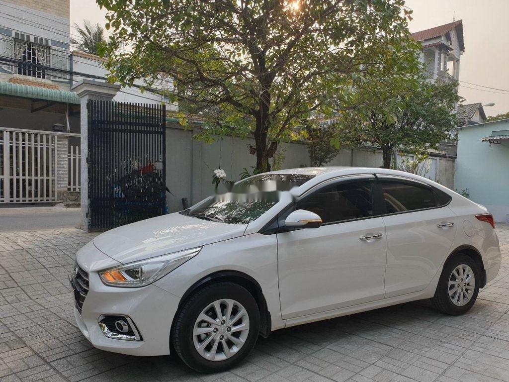 Bán xe Hyundai Accent 1.4AT năm sản xuất 2019, màu trắng, giá tốt (1)