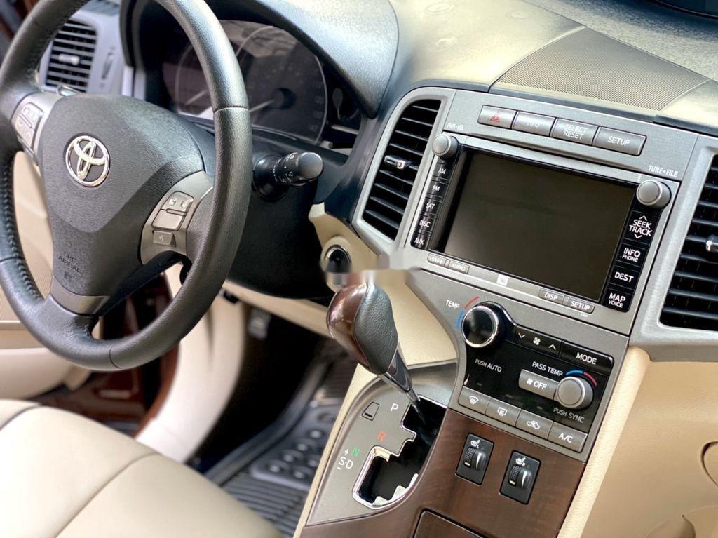 Cần bán gấp Toyota Venza năm sản xuất 2010, xe nhập còn mới giá cạnh tranh (12)